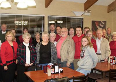 choir-christmas-dinner-group